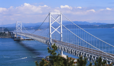 Bridge exhibits superior weathering performance for decades due to FEVE fluoropolymer coating.